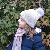 Il fait froid sortez les bonnets !!!  #bonnetblisco du livre #tricoterlejaquardenrond de @along.avec.anna tricoté en Suprême DK coloris Chamallow et Gris Perle.